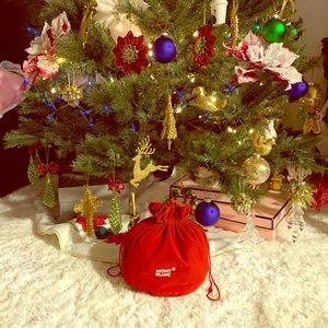 🔴 3 for $25 Montblanc large velvet bag